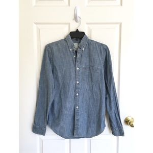 Gap denim chambray button down